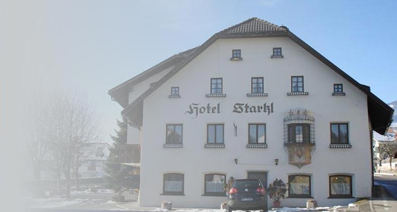 Wir liefern Ski ins Hotel Starkl
