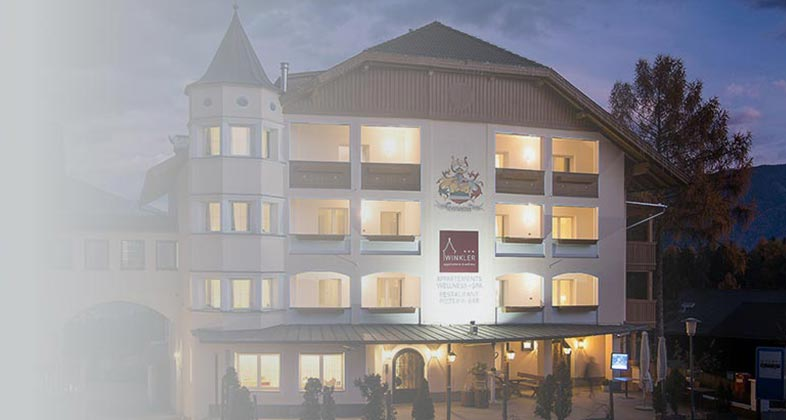 Wir liefern Ski ins Hotel Winkler